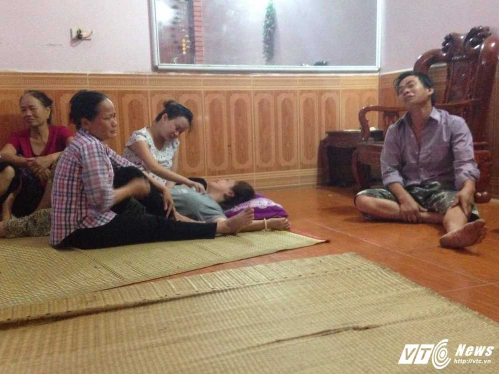 5 hoc sinh chet duoi o Bac Giang: Tieng khoc than vang khap xom ngheo trong dem hinh anh 2