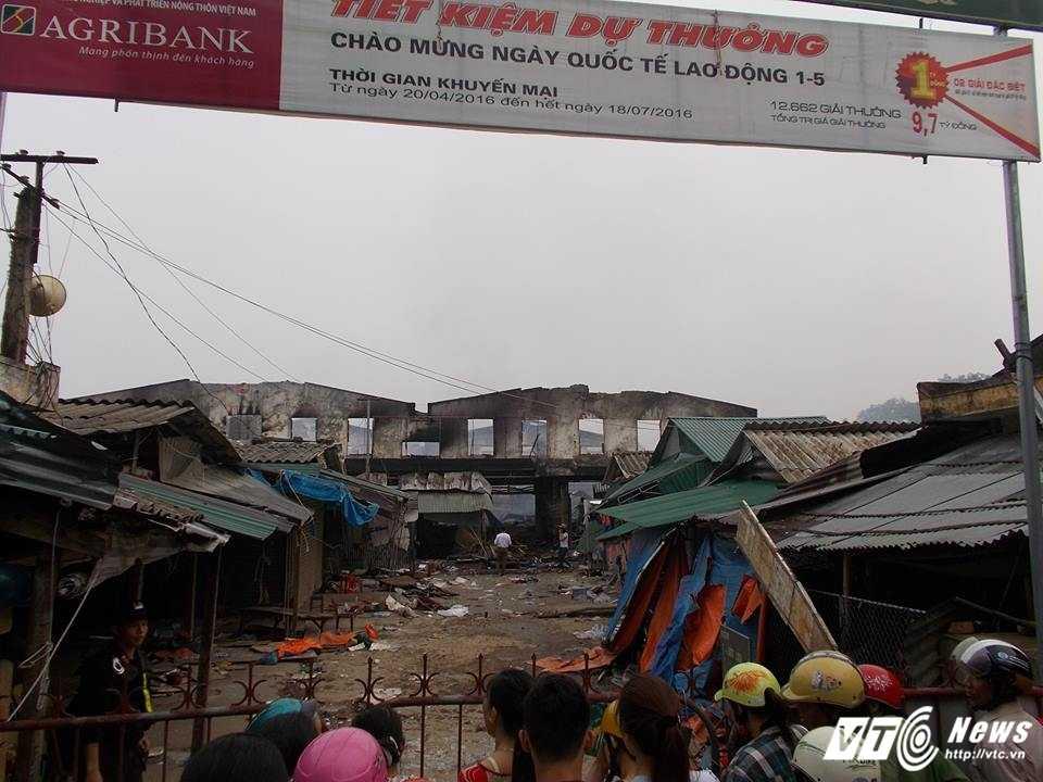 Chay cho Son o Ha Tinh: Hang tram tieu thuong de nghi xay cho tam kinh doanh hinh anh 2