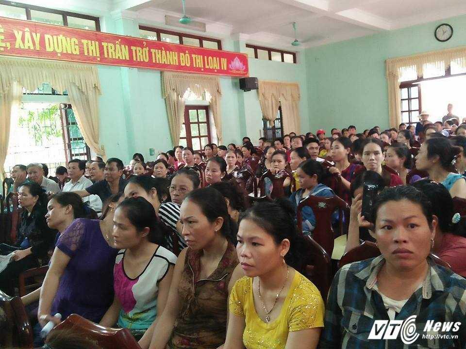 Chay cho Son o Ha Tinh: Hang tram tieu thuong de nghi xay cho tam kinh doanh hinh anh 3