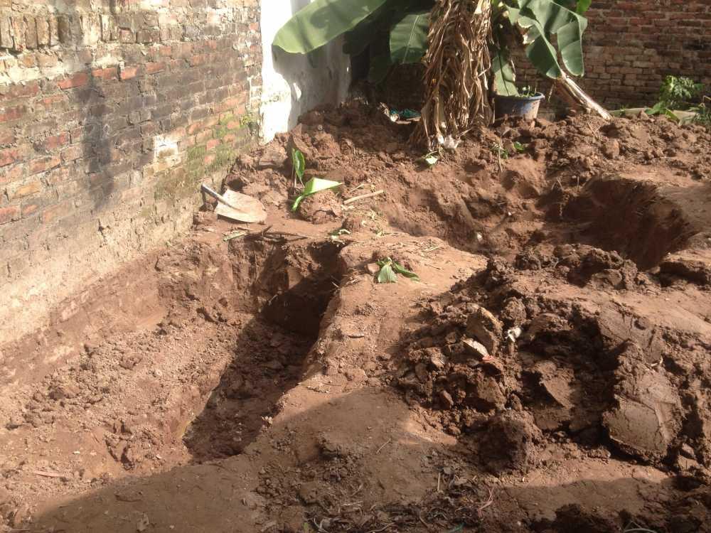 Nguoi than 2 bé gái bị sát hại, chon trong vuòn chuói: 'Khong ngo hung thu la hang xom' hinh anh 1