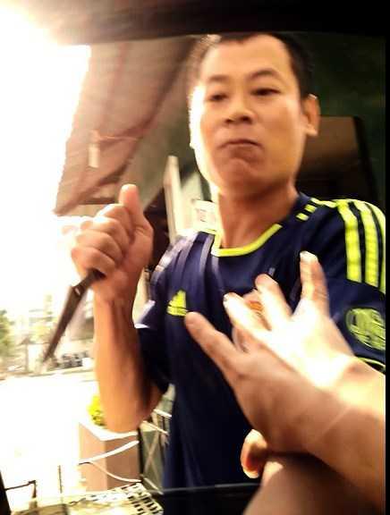 Con do cam dao hanh hung, cuong doat tien tai xe: Cong an Ha Noi vao cuoc dieu tra hinh anh 1