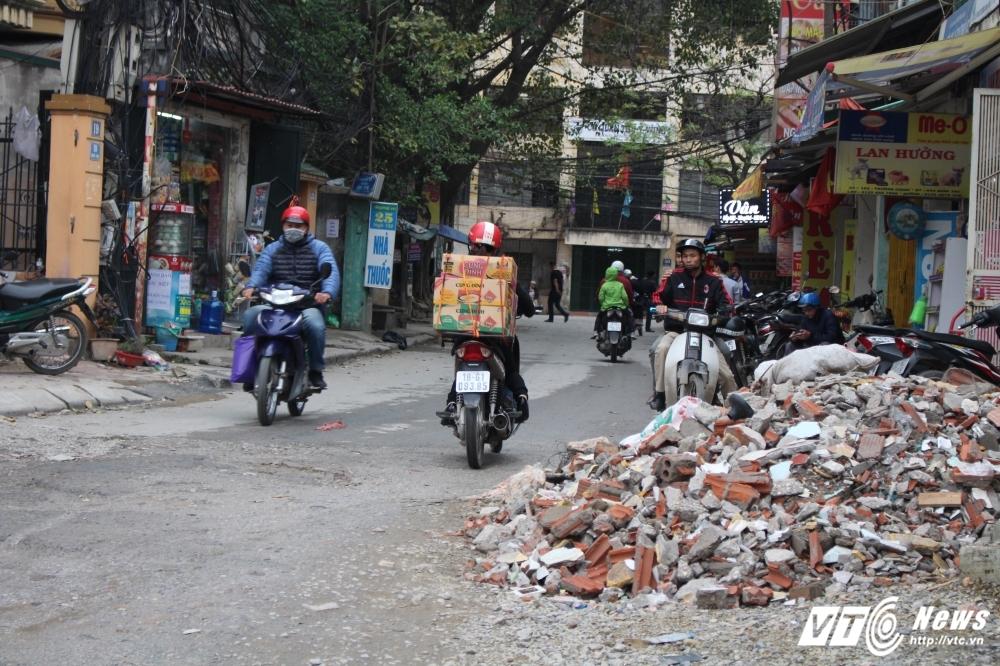 Dep 'cuop' via he: Hang tan phe thai xay dung 'giang bay' nguoi di duong hinh anh 10