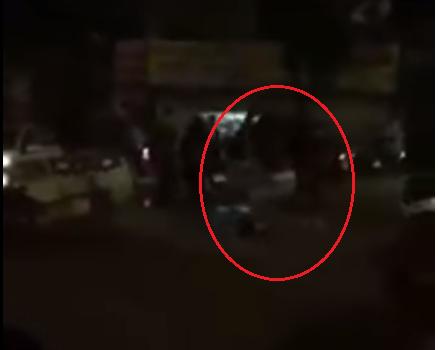 Video: Tai xe o to danh guc tai xe xe may sau va cham giao thong hinh anh 1