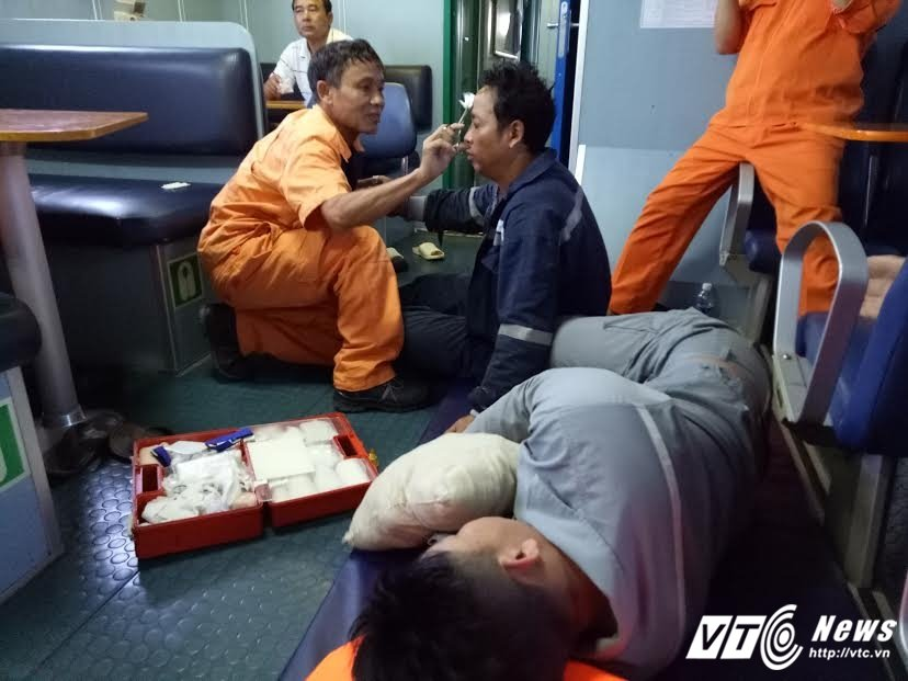 Chim tau Hai Thanh 26, 9 nguoi mat tich: Tim thay them 3 thi the thuyen vien hinh anh 2