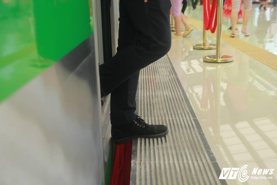 Nhung diem tru o ga duong sat tren cao Cat Linh - Ha Dong: Ban quan ly len tieng hinh anh 1