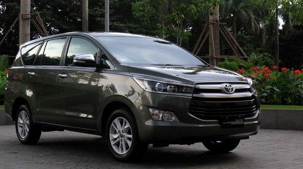 Toyota Camry giam toi 55 trieu dong, co nen mua hay khong? hinh anh 2
