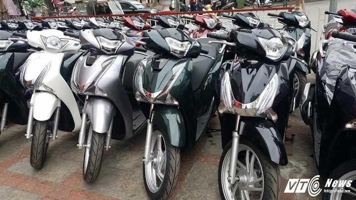 Yamaha NVX het sot, Honda SH miet mai giam gia hinh anh 2