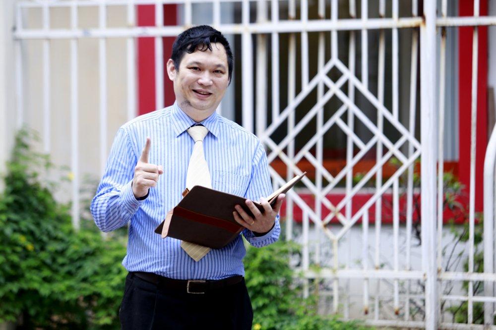 Tien si kinh te 7x Luu Hai Minh voi tham vong mang tri tue Viet ra the gioi hinh anh 1