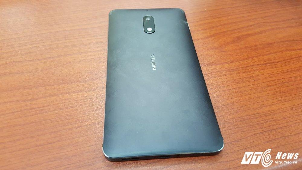 Can canh Nokia 6 duoc ban chinh thuc tai Viet Nam gia 5,59 trieu dong hinh anh 5