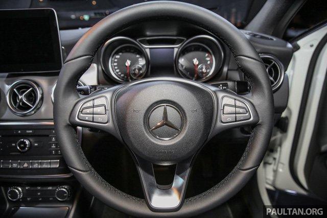 Mercedes GLA 2018 ban chinh hang tai Viet Nam, gia 1,3 ty dong? hinh anh 4