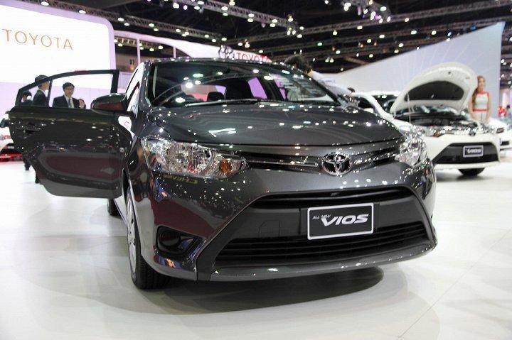 Tu ngay mai, 20.000 xe Toyota Vios va Yaris tai Viet Nam bi trieu hoi do loi tui khi hinh anh 1