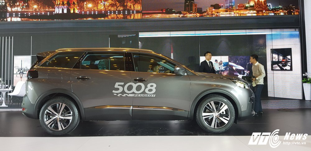 Can canh mau SUV 7 cho 'sang chanh' Peugeot 5008 gia 1,389 ty dong hinh anh 2