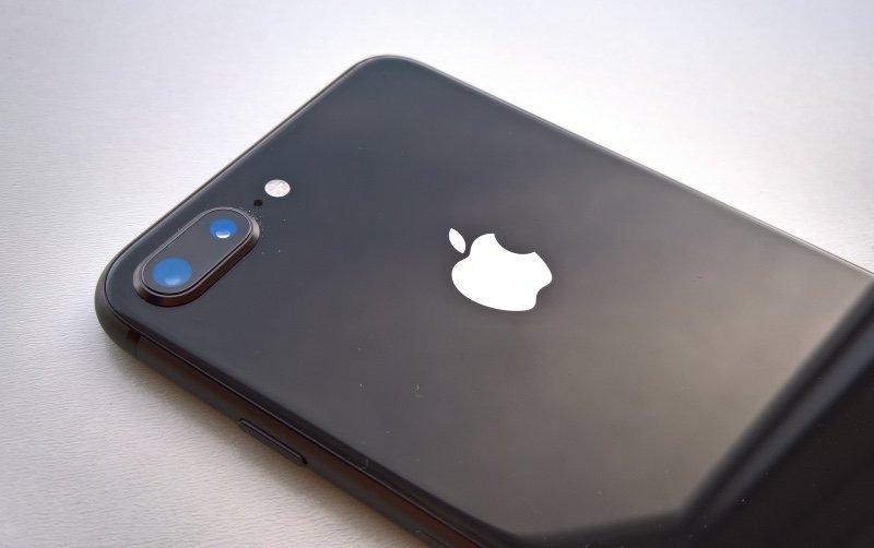 iPhone 8 Plus Lock ve Viet Nam, re hon hang chinh hang toi 8 trieu dong hinh anh 2
