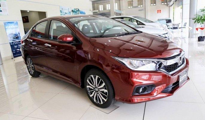 Toyota Fortuner bat ngo e am, 'bay' khoi top 10 mau xe ban chay nhat Viet Nam hinh anh 9