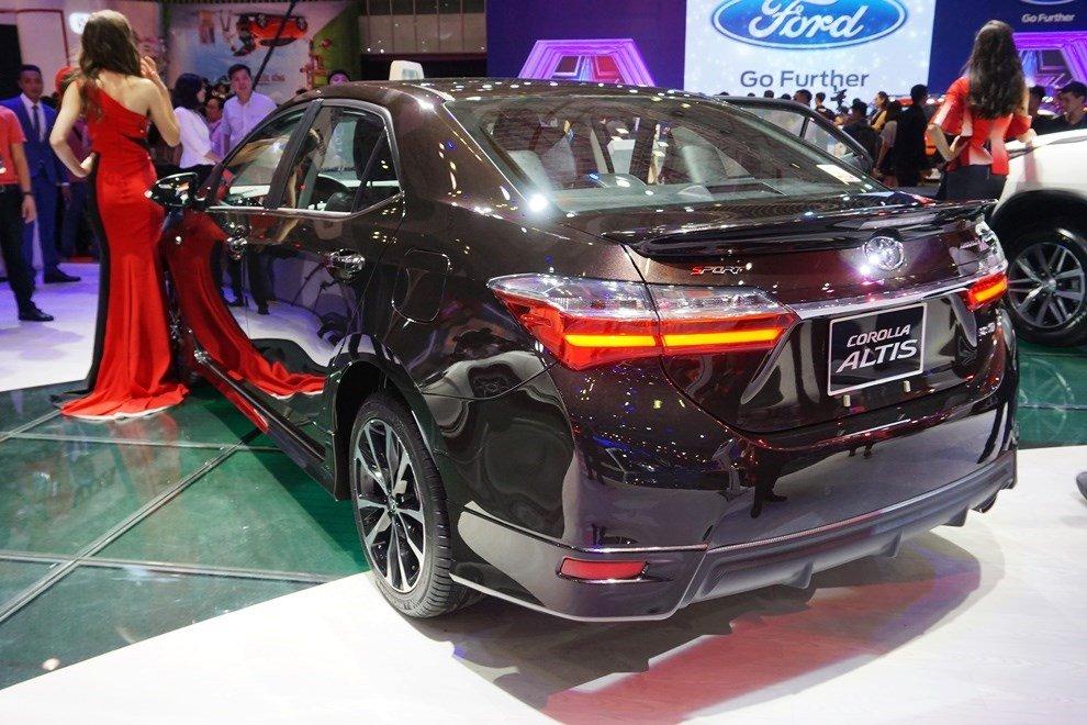 Toyota Viet Nam trieu hoi 8.000 xe Corolla Altis hinh anh 1