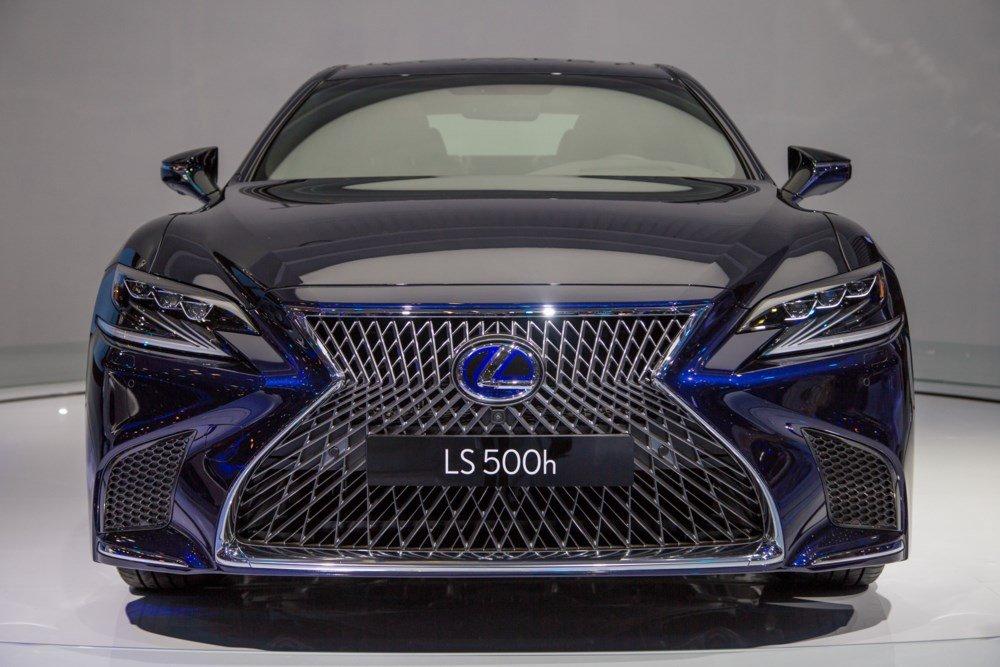 Lexus LS500h cong bo muc gia 7,6 ty dong tai Viet Nam hinh anh 2