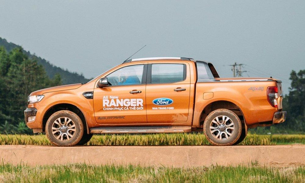 'Vua ban tai' Ford Ranger khoi dau nam 2018 bang giam gia hinh anh 1