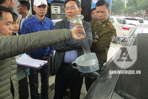 Binh xang o to 70 lit do duoc 80 lit: Petrolimex duoc 'giai oan', Honda Viet Nam chua the ket luan hinh anh 1