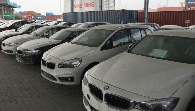 600 xe BMW phoi nang tai cang Sai Gon khong duoc thong quan va se duoc tra ve chau Au hinh anh 1