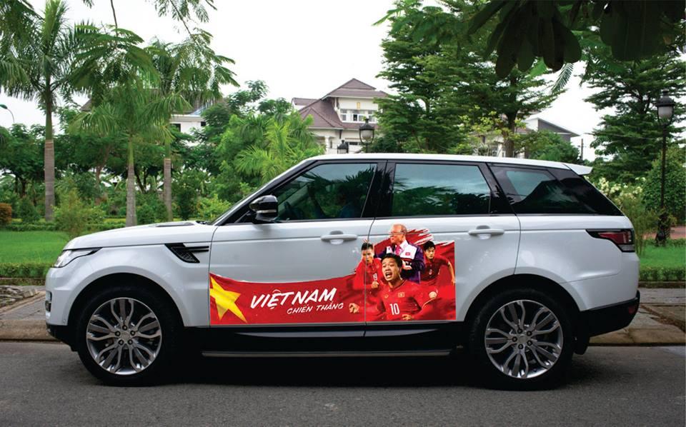 Fan cuong dua nhau do xe co vu U23 Viet Nam trong tran chung ket hinh anh 4