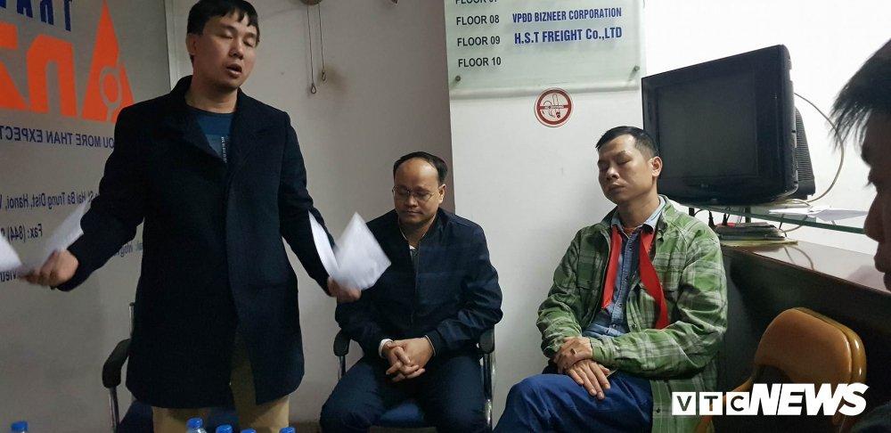 Hang tram nguoi ham mo U23 Viet Nam bi bo roi o cua khau hinh anh 5