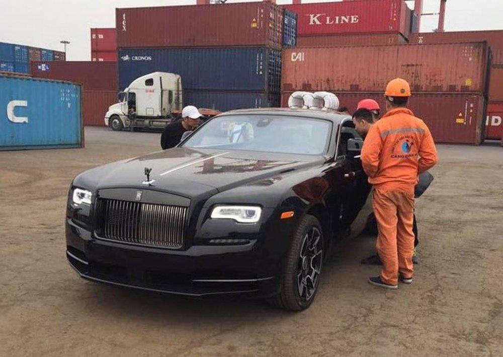 Choang ngop ve dep sieu sang Rolls-Royce Wraith Black Badge co gia khong duoi 30 ty dong hinh anh 1