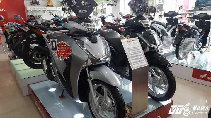 Honda SH dat ky luc, don them 24 trieu dong dip can Tet Nguyen dan hinh anh 2