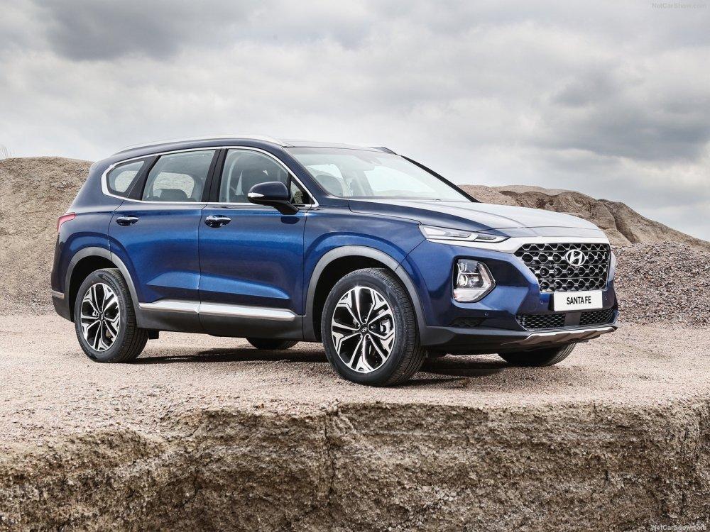 Hyundai ra mat o to Santa Fe 2019, gia re bat ngo chi 592 trieu dong hinh anh 1