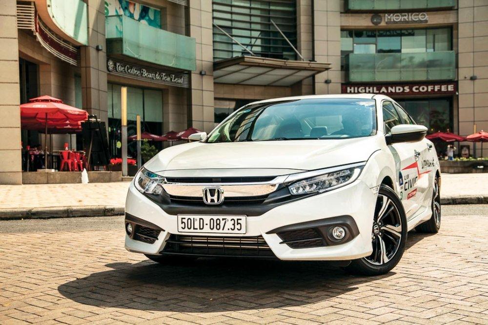 Sau CR-V, Honda Civic lo gia tam tinh tai dai ly, re hon 150 trieu dong hinh anh 2