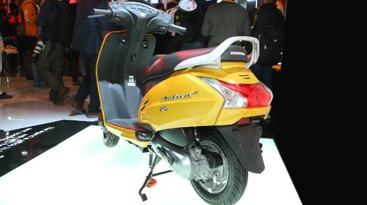 Can canh mau Honda Activa 5G, 'chi em song sinh' voi Lead, gia chi 18 trieu dong hinh anh 3