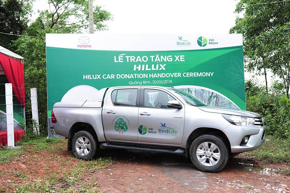 Toyota trao tang xe Hilux, ho tro bao ton thien nhien tai Viet Nam hinh anh 2