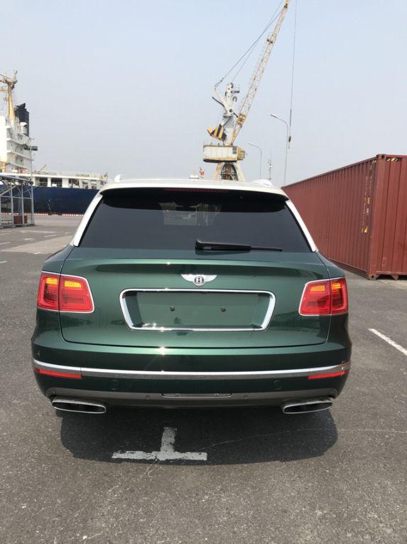 Can canh sieu xe Bentley Bentayga vua ve Viet Nam hinh anh 2