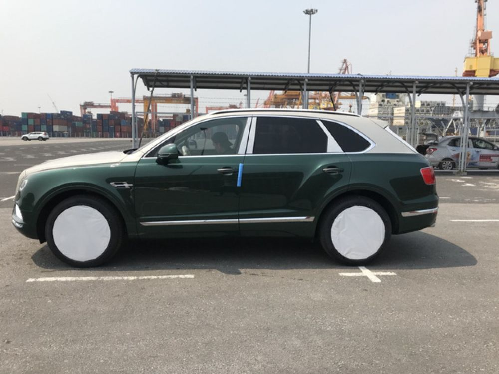 Can canh sieu xe Bentley Bentayga vua ve Viet Nam hinh anh 3