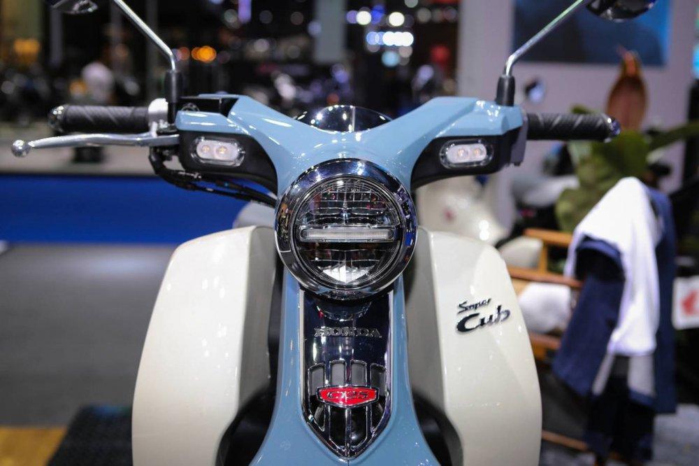 Choang voi Honda Super Cub C125, gia ban 66,1 trieu dong hinh anh 2