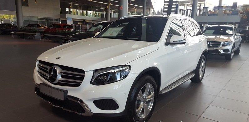 Mercedes-Benz lai tang gia dot ngot GLC 250 va GLC 300, 'doi' them toi 60 trieu dong hinh anh 1