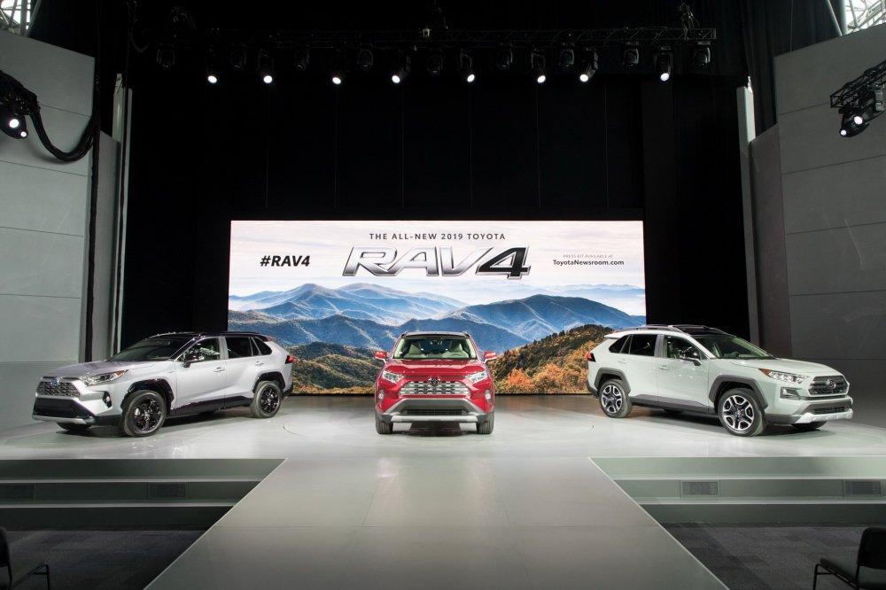 RAV4 - 'con át' chién luọc mói của Toyota, giá bán 1,4 tỷ dòng? hinh anh 2