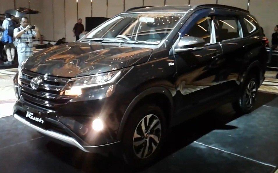 Toyota Rush 2018 chuản bị vè Viẹt Nam, giá rẻ tù 350 triẹu dòng? hinh anh 3