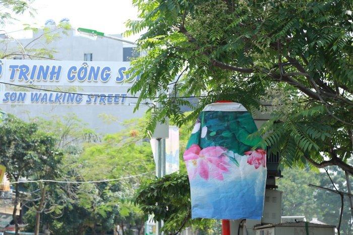 Anh: Pho di bo Trinh Cong Son truoc ngay khai truong co gi dac biet? hinh anh 3
