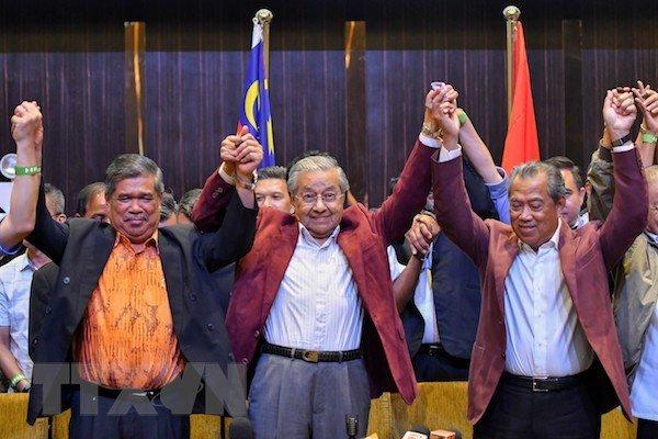 Thu tuong Nguyen Xuan Phuc gui dien mung Thu tuong Malaysia hinh anh 1