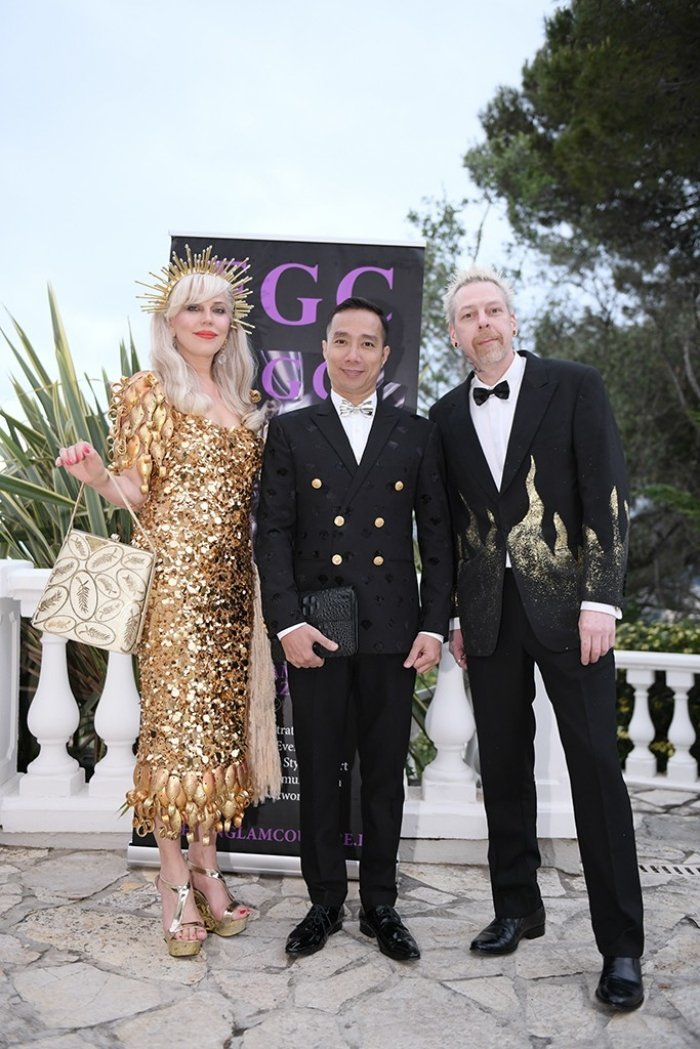 Dan sao quoc te du show ao dai Viet tai Cannes hinh anh 4