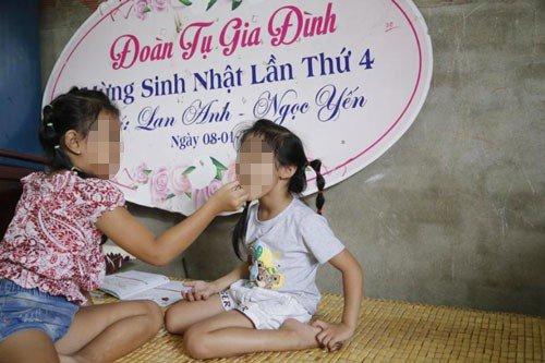 Cuoc song van day ap tieng cuoi cua nhung dua tre bi trao nham cha me o Binh Phuoc hinh anh 1
