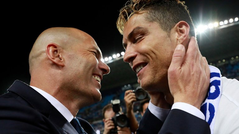 Phuong phap tap luyen da 'hoi sinh' Ronaldo ngoan muc ra sao? hinh anh 2