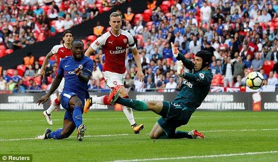 Morata sut hong phat den, Chelsea mat Sieu cup Anh vao tay Arsenal hinh anh 2