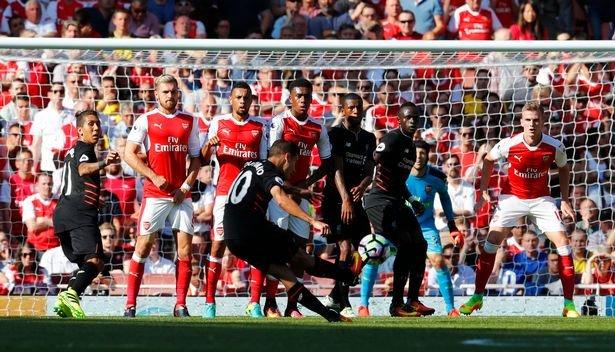 Truc tiep Liverpool vs Arsenal - Link xem bong da Ngoai Hang Anh 2017 hinh anh 4
