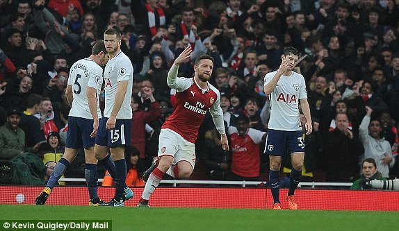 Alexis Sanchez toa sang, Arsenal thang thuyet phuc Tottenham hinh anh 1