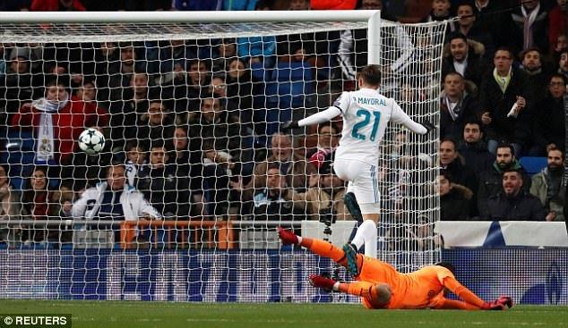 Ronaldo ghi ban, Real Madrid thang nhoc lay ngoi nhi bang hinh anh 1