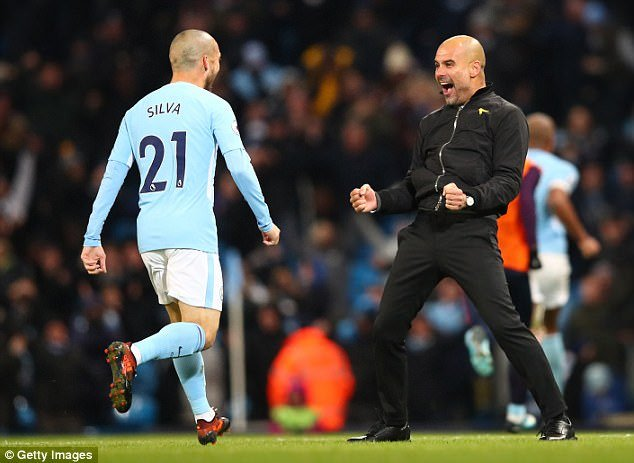 Dai chien MU vs Man City: Mourinho xo xien doi thu, MU nhan tin du hinh anh 2