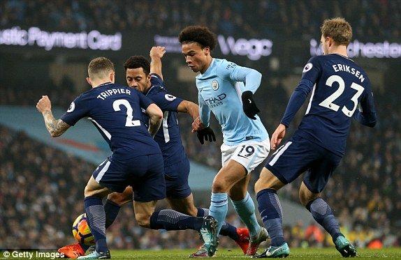 Thang Tottenham 4-1, Man City tiep tuc sam vai 'doc co cau bai' hinh anh 1