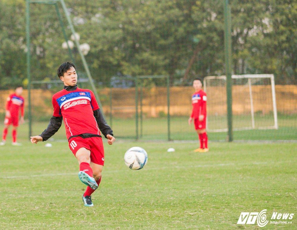 Video: U23 Viet Nam tap bai vo long, Cong Phuong dut diem an tuong hinh anh 9
