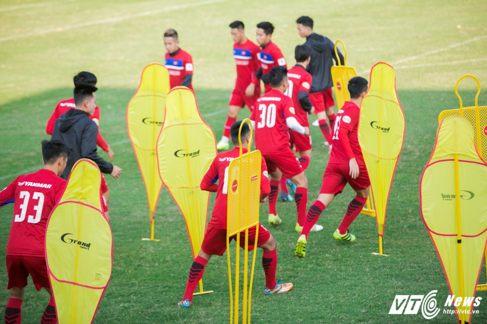 Video: U23 Viet Nam tap bai vo long, Cong Phuong dut diem an tuong hinh anh 4